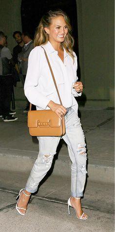 Chrissy Teigen's Boyfriend Jeans http://rstyle.me/n/4vep4ni6
