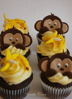 ADORABLE monkey cupcakes! <3 #cupcakes #cupcakeideas #cupcakerecipes #food #yummy #sweet #delicious #cupcake