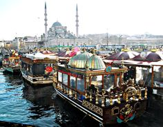 Galata Bridge is one of the happening places to be when you visit Istanbul. Street food, locals, fishermen, ferries and location are just a few things that make Galata bridge so great. Beautiful World, Beautiful Places, Floating Restaurant, Restaurant Bar, Places To Travel, Places To Visit, Bosphorus Bridge, Visit France, Kusadasi