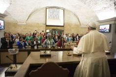 Pope Francis says evolution is real and God is no wizard 10.28.14