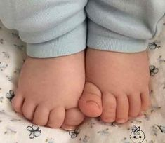 Baby Feet By: Fashion Fashionist Design Fashions Statement Ideas Gifts Dress Clothes Hats Comfort Men Women Girls Boys Shirts Pants Slacks Prom Pictures Photos Cute Baby Pictures, Newborn Pictures, Newborn Pics, Baby Feet Pictures, Prom Pictures, Chubby Babies, Cute Babies, Boy Babies, Babies Pics