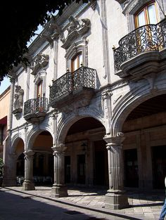 Queretaro by Mano De Dios, via Flickr