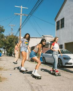 An electric skateboard is a personal transporter based on a skateboard.Electric skateboard are not considered as vehicles and do not require any registration or licensing.Here some best skateboard go check them out. Summer Aesthetic, Retro Aesthetic, Aesthetic Photo, Aesthetic Pictures, Girls Skate, Skater Girl Outfits, Skater Girl Style, Photo Portrait, Burton Snowboards