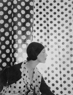 Tilly Losch, danseuse d'origine autrichienne, chorégraphe, comédienne et peintre, 1930 Cecil Beaton