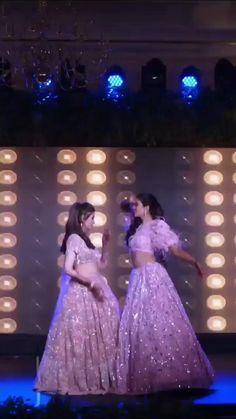 Wedding Dance Video, Indian Wedding Video, Indian Wedding Photos, Wedding Videos, Indian Bridesmaid Dresses, Indian Bridal Outfits, Bridesmaid Outfit, Wedding Dresses For Girls, Beautiful Girl Dance