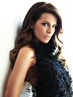 We chose Kate Beckinsale to play Sarah, because we picture Sarah to be a good looking woman, with a seductive side to her. And we think beckinsale portrays that.