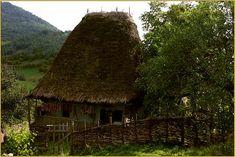 Foto Transfer, Romania, House Styles, Plants, Home Decor, Houses, Photos, Mountain Range, Communities Unit