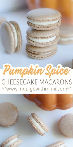Pumpkin spice cheesecake macarons with spice infused shells that make it extra flavorful. In the middle is a smooth pumpkin cheesecake filling - a classic fall flavor re-imagined in macaron form. Fluff Desserts, Köstliche Desserts, Delicious Desserts, Dessert Recipes, Plated Desserts, Sweets Recipe, Dessert Kabobs, French Macaroon Recipes, French Macaron Filling