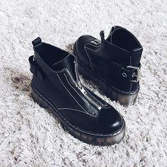 s i n g a p u r BLACK - #leather #aw16 #wildsecret #singapur