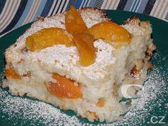 Nákypy můžeme podávat jako hlavní sladké jídlo,nebo i jako lehký moučník. Rýžový nákyp chutná jak s meruňkami, tak i se švestkami.