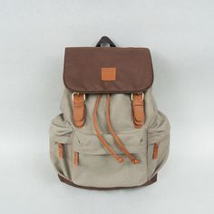 Taro Khaki! IDR 210.000,- #tuskbag #bestseller #bag #vintage #taro #khaki #polyester #leather | CS Center 7D1041AA |