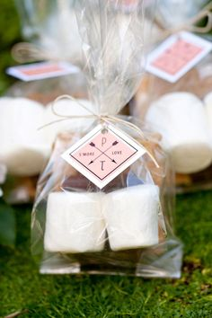 Here are some Wedding Favor Gift Ideas that your guests can take home and actually use.