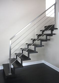 Looking for Staircase Design Inspiration? Check out our photo gallery of Modern Stair Railing Ideas. Steel Railing Design, Steel Stair Railing, Staircase Railing Design, Outdoor Stair Railing, Interior Stair Railing, Modern Stair Railing, Metal Stairs, Modern Stairs, Railing Ideas