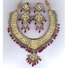 These Uncut Necklace can improve your smartness, you can buy these types of jewellery with easy prices.