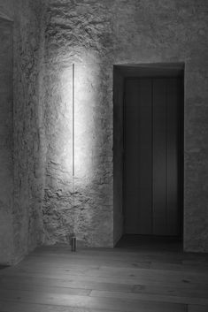 The lighting is designed to invite and welcome people to various spaces in the home, embracing the house as a whole and maintaining the building's original nature and heritage. Location: Montalcino, Tuscany, Italy Year: 2015 Design: Marco Pignattai Architect, Gerda Vossaert Interior Architect Lighting: Davide Groppi, Daniele Sprega Photos: Fausto Mazza
