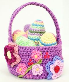A pretty Easter basket crochet pattern that is perfect for your Spring decor!