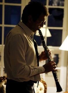 Domingos Montagner tocando clarinete no O BRADO RETUMBANTE