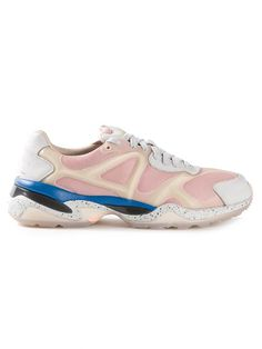 Shop Puma 'Run Lo' tops in Madison from the world's best independent boutiques at farfetch.com. Over 1000 designers from 60 boutiques in one website.
