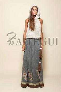 Falda gris larga salpicada con detalles plateados - 485,00€ : Zaitegui - Moda y ropa de marca para señora en Encartaciones