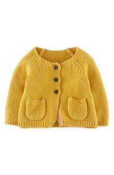 Knitting baby cardigan little girls mini boden Ideas Baby Pullover, Baby Cardigan, Knit Cardigan, Yellow Cardigan, Knitting For Kids, Baby Knitting Patterns, Baby Patterns, Baby Outfits, Kids Outfits