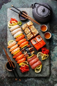 One food that I would eat everyday :: If I have to eat only one food in rest of my life, I will choose sushi. Sushi is one of my favourite food, so I think I don't get tired of sushi. I can eat everyday! I love sushi! Sushi Recipes, Asian Recipes, Healthy Recipes, Sushi Platter, Food Platters, Comfort Food, Aesthetic Food, Mets, Food Cravings