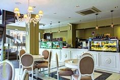 Zoe's Premium Latteria: Γιαούρτια τσανάκας και γάλατα από την καρδάρα στο κέντρο της Αθήνας! Zoe S, Top Secret, Table, Furniture, Home Decor, Decoration Home, Room Decor, Tables, Home Furnishings