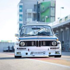 Le Mans, Bmw 2002, Bmw Classic, E30, Amazing Cars, Awesome, Bmw Cars, Courses, Cars And Motorcycles