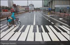 Newly painted zebra crossings in Warsaw have been given a new shape. I absolutely love it!