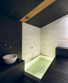 44 Popular Modern Contemporary Bathroom Design Ideas To Make Luxurious Look - Trendehouse Modern Contemporary Bathrooms, Contemporary Apartment, Rustic Contemporary, Contemporary Architecture, Contemporary Interior, Interior Architecture, Conceptual Architecture, Contemporary Building, Contemporary Chandelier