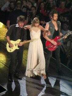 Love Story - Taylor Swift #REDTour #REDTulsa #TaylorSwift