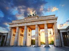 Abenteuer in der Hauptstadt Du hast Lust auf einen einzigartigen Kurzurlaub? Dann mach dich auf nach Berlin: Hier kannst du auf dem Ku'damm shoppen gehen und das beeindruckende Museum THE STORY OF BERLIN besuchen.