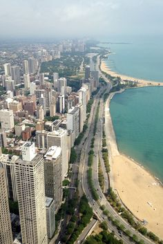 Thank you to my boyfriend for introducing me to this marvelous city -View from the John Hancock Observatory in Chicago #travel