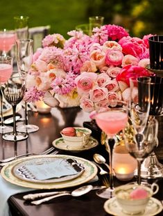 ROMANTIQUE WEDDING RECEPTION DECORATIONS | Victorian weddings featured many of the same decorations as today's ...