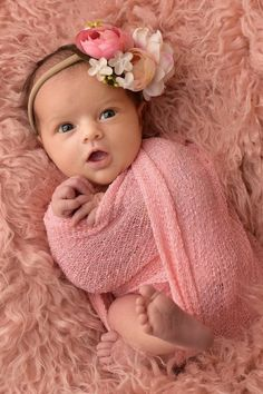 40 Awesome Newborn Baby Photography Poses Ideas for Your Junior - Baby photos - Foto Newborn, Newborn Baby Photos, Newborn Shoot, Newborn Pictures, Baby Girl Newborn, Baby Boys, Cute Babies Newborn, Newborn Sibling, 2nd Baby