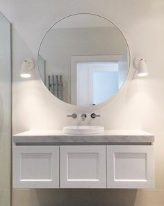 This timeless bathroom makeover by alannasmitdesigns makes great use of the Nexus wall light 💡 - Bathroom Ideas Bathroom Renos, Budget Bathroom, Bathroom Flooring, Bathroom Interior, Small Bathroom, Master Bathroom, Modern Bathroom, Bathroom Ideas, Light Bathroom
