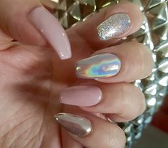 Glitter, holographic, and chrome. Nail trends 2016