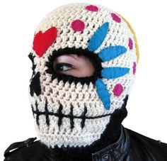 Sugar skull Mask ~ free pattern (the grandsons would love this!)