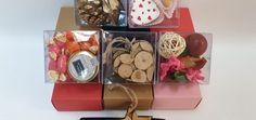Categorie: Cutii din plastic si carton   Ambalaje Plastic Gift Wrapping, Plastic, Gifts, Color, Gift Wrapping Paper, Presents, Wrapping Gifts, Colour, Favors