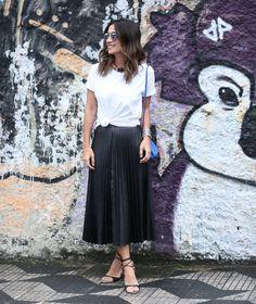 24 Outfits with Pleated Skirt | How to Style (Modest outfits)    Virtuosas com Estilo: 24 Looks com Saias Plissadas | Como Usar (Looks para evangélicas)