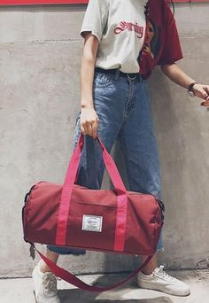 Casual Stylish Woman With Red Modern Cool Duffel Bag Sporty Look, Fashion Bags, Gym Bags, Duffel Bags, Stylish, Casual, Bag Making, Leather, Modern