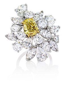 Stunning De Beers 1888 Creative Solitaires Marie Antoinette ring.
