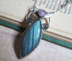 RÉSERVÉ  voile Avalon  Labradorite bleue et par SihayaDesigns