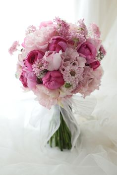 クラッチブーケ ピンクのドレスに アニヴェルセル豊洲様へ : 一会 ウエディングの花
