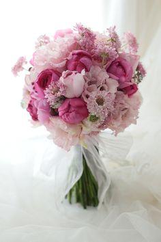 ピンクという色は、たぶん、色の中で最強です。女子力MAX。きっとピンクが似合う、花嫁様へのブーケです。では、今日も本当におつかれさまでした。ぐー。・・・・...