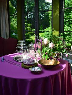 Belgian Pearls, Belgian Style, Wonderful Flowers, Cozy House, Decorative Items, Flower Arrangements, Table Settings, Cottage, Joy