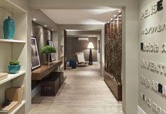 Decoração de hall de entrada: 5 estilos para se inspirarRui e Tiago Vilaça