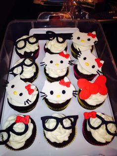 #hellokittycupcakes