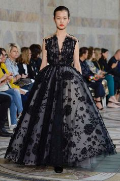 Giambattista Valli Autumn/Winter 2017 Couture Collection