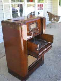 GENERAL ELECTRIC RADIO PHONOGRAPH RESTORED BY RADIO DAYS SHELBY NC