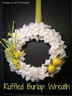 DIY Ruffle : DIY Make a Ruffled Burlap Wreath   :   DIY Crafts